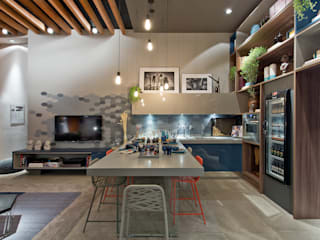 Comedores de estilo moderno por Sarau Arquitetura