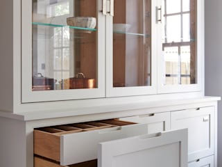 Kitchen design for small spaces Holloways of Ludlow Bespoke Kitchens & Cabinetry Sala de estarArmazenamento Madeira Cinza