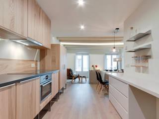 Küche von Lara Pujol  |  Interiorismo & Proyectos de diseño