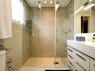 Bathroom by Régua Arquitetura, Modern