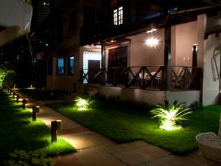 Res. Umarizal: Jardins  por L+A Arquitetura de iluminação