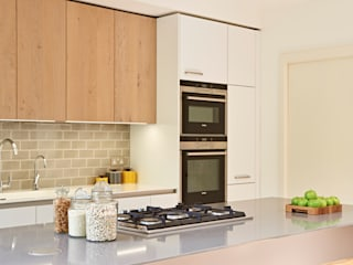 Kitchen, dining room and garden in one Holloways of Ludlow Bespoke Kitchens & Cabinetry Kitchen Wood White