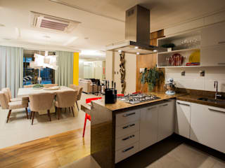 Res. Batista Campos: Cozinhas  por L+A Arquitetura de iluminação
