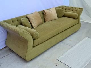 sofá capitonado de fabrica de ideas Ecléctico