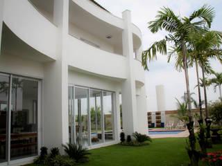 Modern houses by Andrea F. Bidóia Arquiteta Modern
