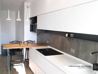 Cucina:  in stile  di Interior-Mente