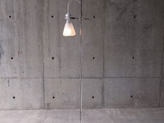 FLASK - Floor Lamp Oleh abode Co., Ltd. Minimalis