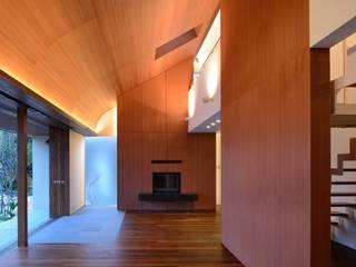 Scandinavian style living room by 澤村昌彦建築設計事務所 Scandinavian