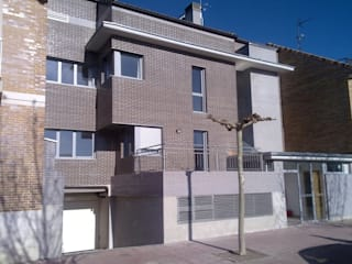 EDIFICIO APARTAMENTOS CAÑADA REAL: Casas de estilo  de Cienfuegos y Martinez. Arquitectos