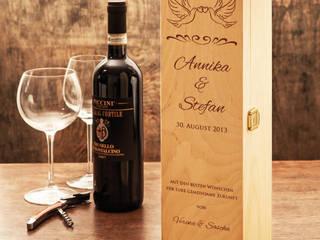 Weinkiste mit Hochzeitsgravur von Gravado (LPZ Handelsgesellschaft mbH) Klassisch