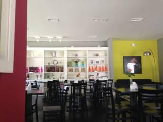 ANALU ANDRADE - ARQUITETURA E DESIGN ร้านอาหาร