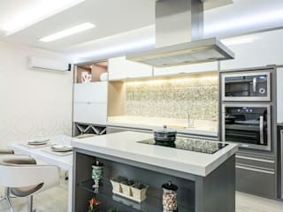 Kitchen by Habitat arquitetura, Modern