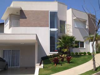 Modern houses by Habitat arquitetura Modern