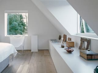 The bedroom at ​the Old Hall in Suffolk Modern style bedroom by Nash Baker Architects Ltd Modern