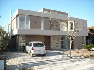 CASA C: Casas de estilo  por Desarrollos Proyecta,Moderno