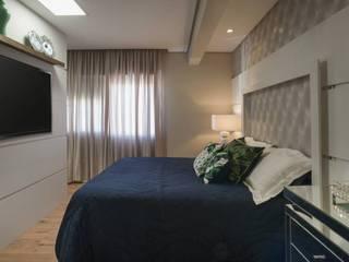 Dormitório Casal: Quartos  por Gabriela Angonese Arquitetura,