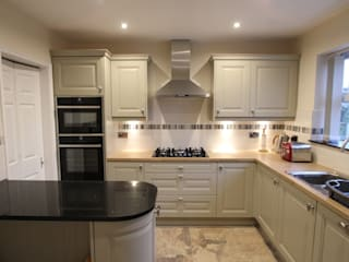 Traditional English Kitchen (with a bit of modern!) AD3 Design Limited Kitchen