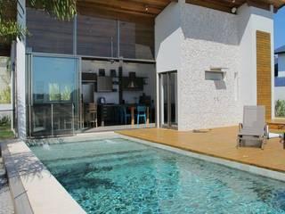Piscinas de estilo  de Andrea Vasconcelos Arquitetura e Design, Moderno