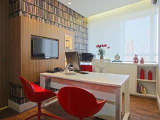 Sala da diretora: Espaços comerciais  por Orizam Arquitetura + Design