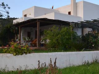 Can Busquets, Eivissa, 2003 Casas de estilo mediterráneo de AMOMA ARQUITECTURA Mediterráneo