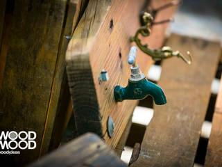 Cabide com torneira:   por WoodMood,Rústico