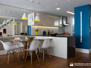 Residência Cond. Clarity Light Living Tania Bertolucci de Souza | Arquitetos Associados Salas de estar modernas