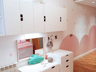 PROYECTO DE DECORACION: Dormitorios infantiles de estilo  de La Casa Sueca,