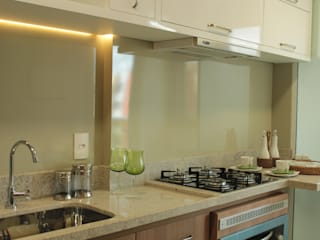 StudioM4 Arquitetura KitchenBench tops