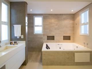 Banheiros Projetados Nowoczesna łazienka od ARCHITECTARI ARQUITETOS Nowoczesny