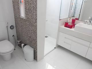 Banheiros Projetados Kamar Mandi Modern Oleh ARCHITECTARI ARQUITETOS Modern