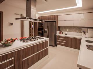 Projeto Cocinas modernas de Heloisa Titan Arquitetura Moderno