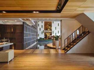 Pasillos y vestíbulos de estilo  por KD Panels,