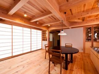 Asiatische Wohnzimmer von AMI ENVIRONMENT DESIGN/アミ環境デザイン Asiatisch