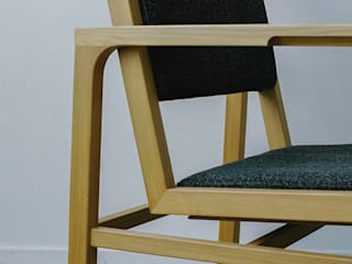 FUKERI CHAIR: ROIRO (ANGRAPH Co.,Ltd.)が手掛けたです。