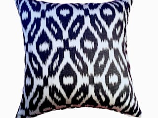 Ikat Cushion Collection: eclectic  by Nomad Design, Eclectic