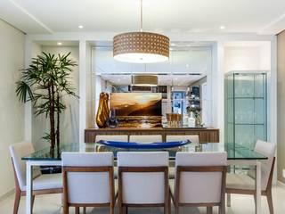 Apartamento - Campro Grande - São Paulo - SP: Salas de jantar  por Studio LK Arquitetura e Interiores