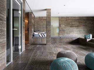 Spa minimaliste par Förstl Naturstein Minimaliste Calcaire