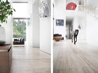 Minimalist walls & floors by Förstl Naturstein Minimalist Limestone