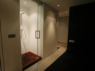 Un loft en la Albufera : Baños de estilo  de Isidoro Moreno e Hijos s.l.