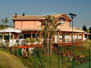 Casas de estilo rústico de Silvia Cabrino Arquitetura e Interiores Rústico