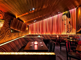 Bars & clubs by Studio Guilherme Bez, Asian