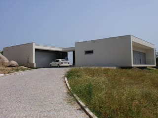 Moradia Cambeses - Barcelos Casas modernas por Solução Desenhada - atelier de arquitectura e engenharia, ld Moderno