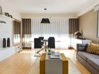 Modern Living Room by IDEIAS DE INTERIORES Modern
