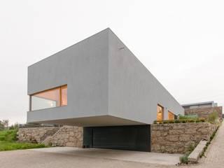 Minimalistyczne domy od olgafeio.arquitectura Minimalistyczny