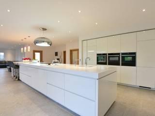 Mr & Mrs T Morris:  Kitchen by Diane Berry Kitchens