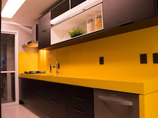 Modern kitchen by Juliana Souto Arquiteta Modern