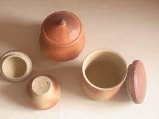 salt pot - 塩壷: 川尻製陶所 - kawajiri Earthenware Factoryが手掛けたアジア人です。,和風