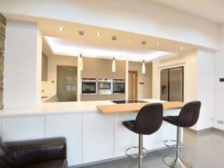 Corrigan Kitchen:  Kitchen by Diane Berry Kitchens