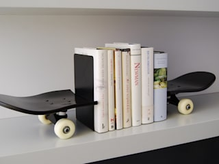 Skateboard book ends a perfect gift idea for any aspiring skateboarder de skate-home Moderno