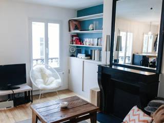 Modern living room by Lise Compain Modern